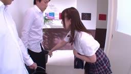 美少女学級委員長が同級生をおしゃぶり